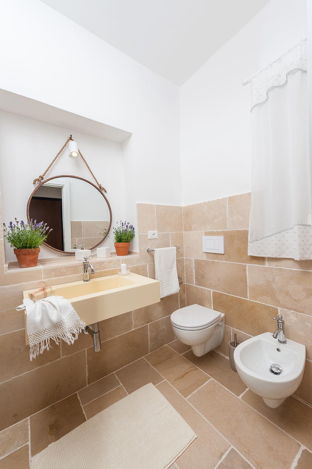 Bathroom Double room - Masseria Monache bed and breakfast
