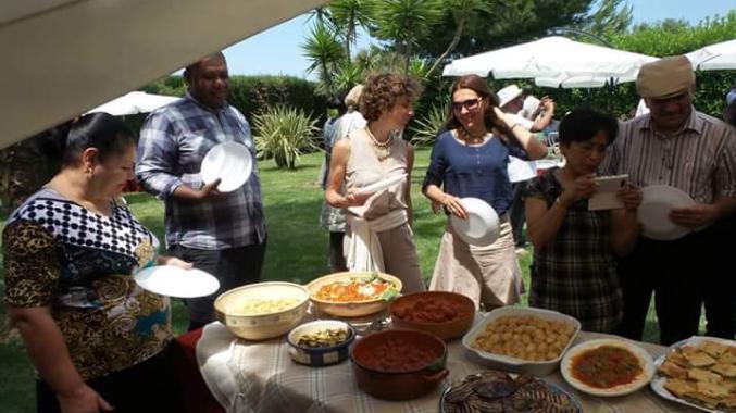 Masseria Monache offre ai suoi ospiti la possibilità di degustare deliziosi piatti con i prodotti tipici della tradizione salentina